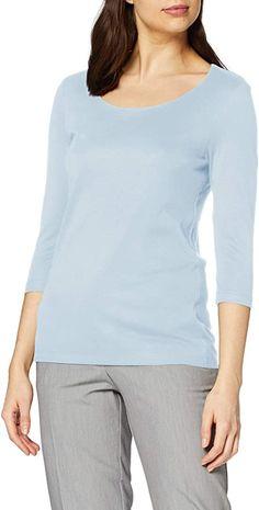 sehr schön  Zum Wohlfühlen und Kombinieren geeignet: Das Basic Shirt lässt sich durch das schlichte, unifarbene Design endlos kombinieren und immer wieder tragen! Der Rundhalsausschnitt und die 3/4 Ärmel sind sportlich und sitzen bequem. Die Vorderseite ist mit extra Futter hinterlegt und fühlt sich dadurch super soft an und garantiert den hohen Tragekomfort. Einfach zur Lieblingsdenim kombinieren, eine Cardigan überwerfen und als optisches Highlight ein gemustertes Tuch dazu - fertig ist… Womens Fashion Casual Summer, Winter Outfits Women, Fall Fashion Outfits, Women's Fashion Dresses, Casual Outfits, Pretty Outfits, Beautiful Outfits, Basic Shirts, Dress Clothes For Women