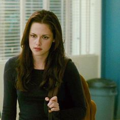 """""""They love their hair because they're not smart enough to love something more interesting."""" — John Green, """"Looking for Alaska"""" 🐟 Twilight 2008, Vampire Twilight, Twilight Saga Series, Bella Swan Aesthetic, Bella Cullen, Edward Bella, Actor Quotes, Twilight Pictures, Looking For Alaska"""