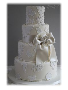 Elegant Formal Off-White Wedding Cake