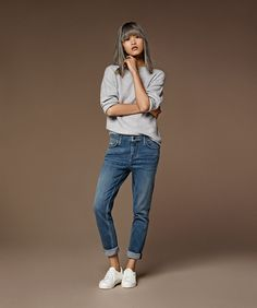 For the girl who is always borrowing her boyfriends jeans. The loosely tapered ultra low-rise Lucas is the ultimate in androgynous laidback dressing. #Topshop
