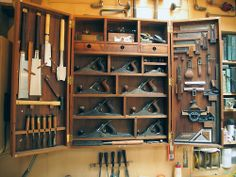 4 Buoyant ideas: Woodworking Tools Gift woodworking tools workshop pictures of.Old Woodworking Tools Projects vintage woodworking tools knives.Old Woodworking Tools Cabinets. Woodworking Tool Cabinet, Woodworking Hand Tools, Woodworking Workbench, Woodworking Workshop, Easy Woodworking Projects, Woodworking Furniture, Custom Woodworking, Woodworking Videos, Grizzly Woodworking