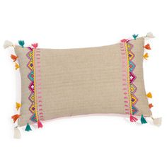 Baumwollkissen DAMIA mit Troddeln, 30 x 45 cmDAMIA cotton cushion with tassels 30 .I& like to copy the floral burst on the curtains onto a pillow and finish it in crewel.Mix-and-match furniture & decorThis Pin was discovered by hat Sewing Pillows, Diy Pillows, Decorative Pillows, Throw Pillows, Cushion Covers, Pillow Covers, Crochet Pillow, Hand Embroidery Designs, Tassels