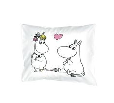 Moomin Love Pillowcase (oh, my.I want this sooo much! Cute Pillows, Moomin, Minka, Pillow Talk, Pillow Cases, Snoopy, Bobs, Happy, Fun Stuff