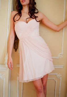 Lovely sweetheart tea-length chiffon bridesmaid gown