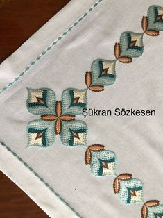 Broderie Bargello, Bargello Needlepoint, Bordado Tipo Chicken Scratch, Swedish Weaving Patterns, Bargello Patterns, Cross Stitch Kitchen, Hand Embroidery Tutorial, Hardanger Embroidery, Love Crochet