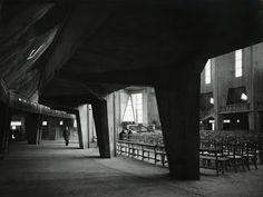 Guillaume Gillet,1954-1969. Église Notre-Dame, Royan © Fonds Guillaume Gillet. SIAF/Cité de l'architecture et du patrimoine/Archives d'arch...