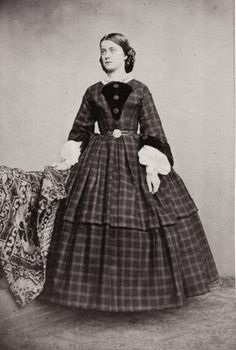 Sophie Charlotte in Bayern. Later Duchess d´Alencon. Early Sister of Elisabeth of Austria Victorian Photos, Victorian Women, Victorian Fashion, Vintage Fashion, Vintage Photos, Victorian Era, Historical Costume, Historical Clothing, Antique Clothing