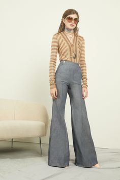 c03ea2af903 Jill Stuart Resort 2019 Fashion Show Collection  See the complete Jill  Stuart Resort 2019 collection