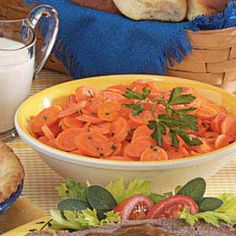 Golden Carrot Coins Recipe -Once you try this simple yet scrumptious side dish, you'll never serve plain carrots again! Carrot Coins Recipe, Carrot Recipes, Carrot Dishes, Potato Dishes, Vegetarian Quinoa Chili, Spring City, Fruits And Veggies, Vegetables, Veggie Tales