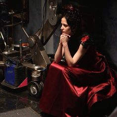 Eva Green behind the scenes of Penny Dreadful season 2 50 more days to go until @pennydreadful returns on May 3!