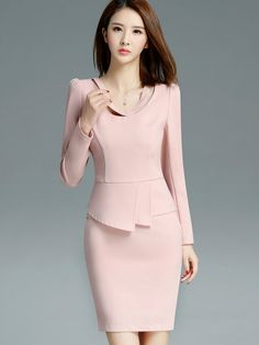 Skirt suits are one of the biggest trend this season. Work Dresses For Women, Suits For Women, Clothes For Women, Look Fashion, Skirt Fashion, Fashion Dresses, Gothic Fashion, Elegant Dresses, Cute Dresses