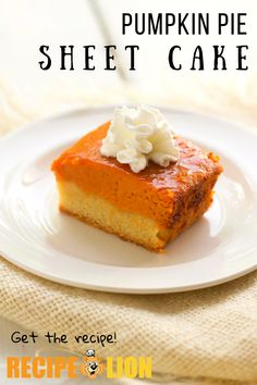 This pumpkin pie sheet cake is an absolutely delicious Thanksgiving dessert recipe! It's a creative take on pumpkin pie that everyone will love. Pumpkin Pie Cake, Pumpkin Custard, Easy Pumpkin Pie, Pumpkin Dessert, Pumpkin Recipes, Turkey Recipes, Stuffing Recipes For Thanksgiving, Thanksgiving Side Dishes, Thanksgiving Turkey