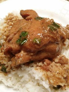 Coconut Chicken Adobo: Use fresh garlic cloves crushed. Only use cup cider vinegar. Guam Recipes, Filipino Recipes, Asian Recipes, Cooking Recipes, Filipino Dishes, Filipino Food, Turkey Recipes, Chicken Recipes, Chicken Meals