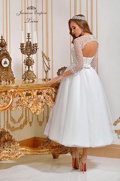 Suknie ślubne Kraków Girls Dresses, Flower Girl Dresses, Wedding Dresses, Jasmine, Empire, Fashion, Dresses Of Girls, Bride Dresses, Moda