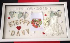 Een leuk en orgineel huwelijks cadeau met spulletjes van de Action. Schilderij is een bestaand schilderij met 'waslijn' heel gemakkelijk aan te passen aan iedere gelegenheid. Ook te gebruiken voor bijvoorbeeld geboorte, verjaardag etc.
