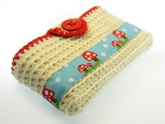 Taschentücher-Taschen - Taschentuchtasche gehäkelt Glückspilze - Glücks... - ein Designerstück von Schmuckkistl bei DaWanda