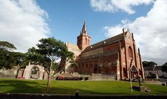 Experience Scotland like your ancestors! Find information on Scottish ancestry DNA, clans, historical attractions and traditional events and festivals. Places To Travel, Places To See, Architecture Design, Shetland, Cathedral Church, Travel Abroad, Britain, Saints, To Go