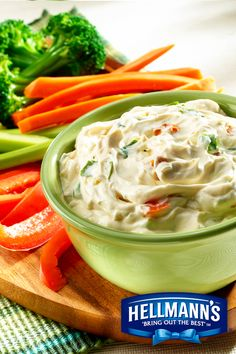 Easy Vegetable Dip Recipe Appetizers with Knorr® Vegetable recipe mix, hellmann' or best food real mayonnais, sour cream Easy Vegetable Dip Recipe, Knorr Vegetable Recipe Mix, Vegetable Dips, Dinner Recipes Easy Quick, Easy Meals, Summer Recipes, Veg Soup, Healthy Recipes, Cat Recipes