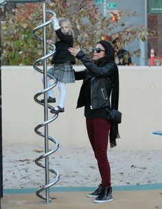 Bethenny Frankel Photos - Reality star Bethenny Frankel picks up her daughter Bryn Hoppy on her bike and the two enjoy the day at the park in New York City, New York on November - Bethenny Frankel Takes Daughter Bryn To The Park Park In New York, New York City, Bethenny Frankel, Two By Two, November, Daughter, Photos, November Born, Pictures