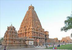 The Brihadishvara Temple, Thanjavur, India. Photograph by Jean-Pierre Dalbéra on Flickr