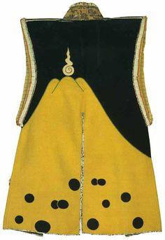 富士御神火文黒黄羅紗陣羽織 Japanese Jimbaori vest, 17th century, Osaka Art Museum