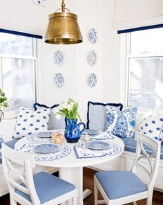 Blue and white dining area / breakfast room