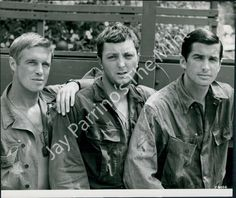 George  Peppard, James  Mitchum, and  George  Hamilton  in  The  Victors  (1963).