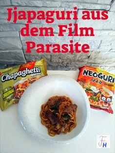 Die große Sensation im Jahre 2020 war der Oscargewinn eines nichtenglischprachigen Films. Dass dieser Film auch noch aus Südkorea kam, hat mich besonders gefreut. Die koreanische Küche wird immer beliebter und so war es nicht verwunderlich, dass es ein Gericht aus diesem Film zum Youtube-Hit wurde. Eigentlich handelt es sich um ein simples Instant-Noodle-Gericht. Als Twist kommt aber gebratenes Rindfleisch dazu, so dass aus einer schnellen 5-Minuten-Nudelsuppe ein richtiges Essen wird. Foodblogger, Seafood, The Originals, Recipes, Film, Youtube, Korean Cuisine, Eat Right, Noodle Soup