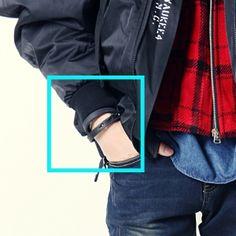 Korea men's fashion mall, Hong Chul style [NOHONGCUL.COM GLOBAL] Chic Black Leather 2 line bracelet / Size : FREE / Price : 20.80 USD #mensfashion #koreafashion #man #KPOP #NOHONGCUL_GLOBAL #OOTD #acc #bracelet #leather