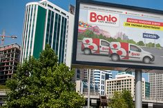 A megalight design for Banio's new store.