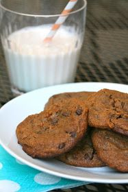 """CupcakesOMG!: Paleo Chocolate Chip Cookies (And Why I'm Not Using the Word """"Paleo"""" Anymore)"""