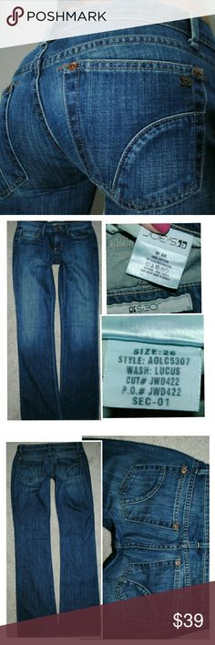 JOE'S FLARE LOWRISE DENIM BLUE JEANS 2 26 X 34 Authentic. Light  wear. No flaws to note. Joe's Jeans Jeans Flare & Wide Leg
