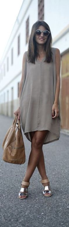 Summer Street Style | Keep The Glamour LadyLuxury | More outfits like this on the Stylekick app! Download at http://app.stylekick.com グレイッシュな褪せたベージュにシルバーが映える。