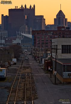 Crooked rails lead to downtown - PittsburghSkyline.com