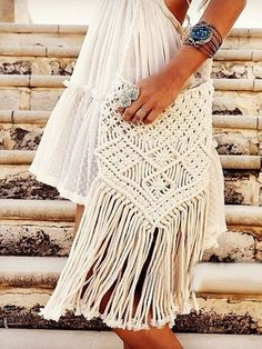 Fringe purse, fringe bag, crochet fringe purse We our obsessed with this over the soulder cream macrame purse! It features fringe detail, and zip closure. Create a timeless boho vibe by adding this purse to any outfit. -one size cotton Bags Shoulder Bags Macrame Design, Macrame Art, Macrame Projects, Macrame Knots, Macrame Jewelry, Boho Jewelry, Crochet Projects, Diy Projects, Bag Crochet