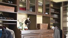 Hutch verticals allow for extra deep drawer storage and a dressing area.