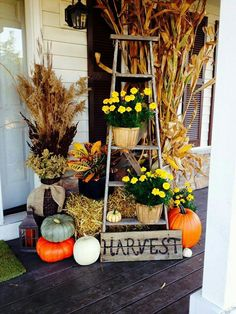 Fall Porch Decor Idea #ihearfall #repurposeoldwoodladder #fallporchdecor