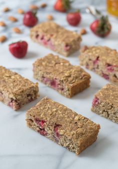 Strawberry Oatmeal Breakfast Bars Recipe. Easy, healthy, and filling! | The Law Student's Wife