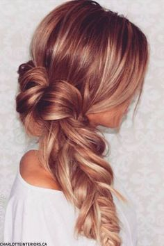 Loving this effortless braid...and that color, though! #HOTD