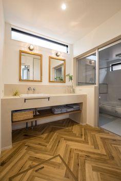 モールテックスで仕上げられた造作洗面台はデザインと使い勝手を考慮して決めて頂きました。ヘリンボーンのフロアタイルが空間のアクセントに。 House Design, House, Washroom, Interior, House Rooms, House Inspiration, House Interior, Home Interior Design, Bathroom Decor