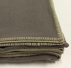 Coperta matrimoniale Somma. cm.230x250 in lana colore grigio con cucitura a…