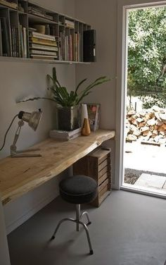 33 Crazy Cool Home #Office Inspirations ➤ http://CARLAASTON.com/designed/crazy-cool-home-office #reclaimedwoodfurniture