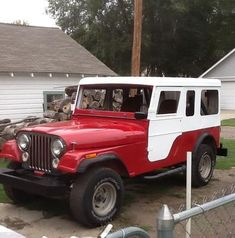 My son turned me on to a pair of Jeeps sitting in a field.  One was a totally rusted out CJ7 and the other was this CJ6 with the old Meyer top.  The CJ7