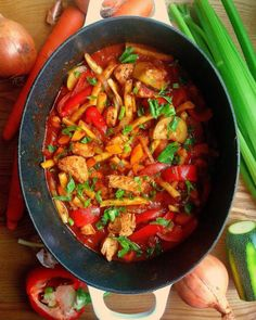 Gulasz z indyka z warzywami / Summer Turkey Vegetable Stew Vegetable Stew, Ratatouille, Grilling, Bob, Turkey, Chicken, Vegetables, Ethnic Recipes, Foodies