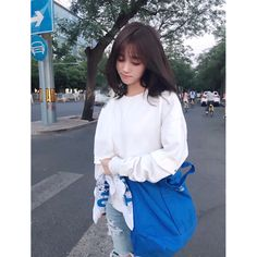 💇🏻 Beautiful Chinese Girl, The Most Beautiful Girl, Beautiful Moments, Love Fashion, Korean Fashion, Girl Fashion, Popular Girl, Chinese Actress, Swag Outfits