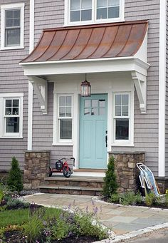 Lovely Door Overhang Designs (13) Design Exterior, Exterior Paint Colors, Exterior House Colors, Cottage Exterior, Exterior Siding, Gray Siding, White Siding, Siding Colors, Roof Colors