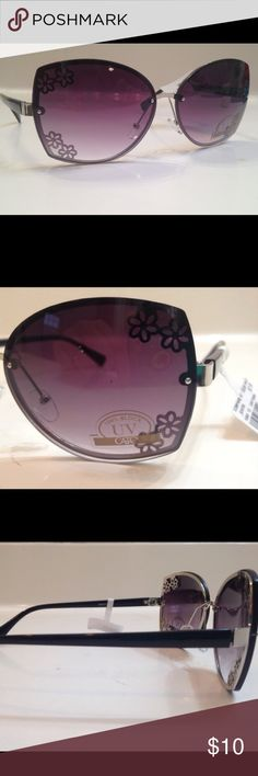 😎NWT FREE W/ $20 PURCHASE Cato Brand Sunglasses Brand new with tags! Cato sunglasses. Compare at $15. Get ready for Summer with these stylish sunglasses with flower accents. Very nice! I am a fast shipper! 💃🏼💃🏼I usually ship next day! Purchase or receive FREE with $20 purchase! Cato Accessories Sunglasses