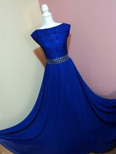 Rochie albastru regal din dantela si voal cu aplicatii argintii
