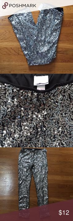 ✨HP✨ Girl's Super Sparkly leggings NEW without tags. You're sure to be the star of any show in these dazzling leggings! Inside is lined so sequins won't scratch. Girl's size XL 14/16. Xhilaration Bottoms Leggings