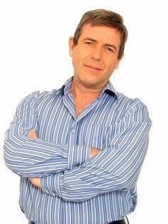 Carlos Mata (Valencia, Venezuela, 28 de agosto de 1952), es un actor, cantante y compositor venezolano.